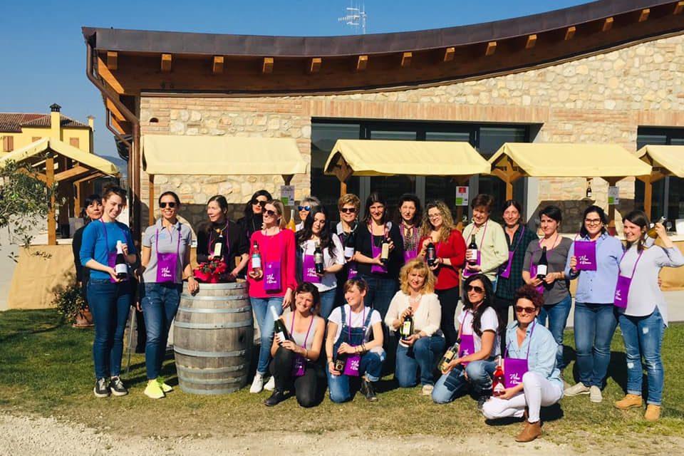Le donne che vogliono produrre per il Presidente il vino dall'uva Mattarella