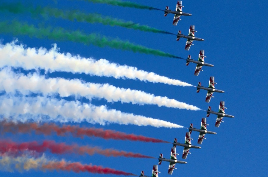 Portiamo le Frecce Tricolori a Vicenza per ricordare i cent'anni dell'impresa di Arturo Ferrarin