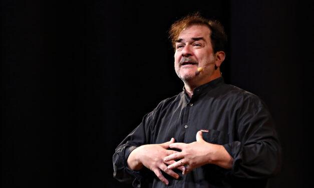 Andrea Pennacchi, il Piero Angela di Omero, racconta l'Odissea come nessuno